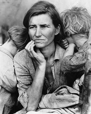 http://xicoriasexicoracoes.files.wordpress.com/2007/05/mother-imigrant.jpg