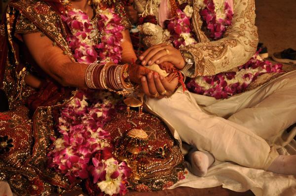 O noivo faltou ao casamento e a noiva casou com o convidado